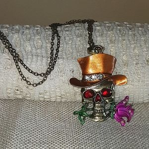 Top hatted skull necklace